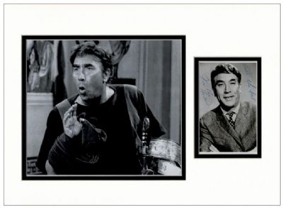 Frankie Howerd Autograph Signed Photo Display